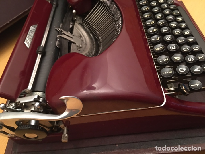 Antigüedades: Máquina de escribir PATRIA - Foto 5 - 190352291