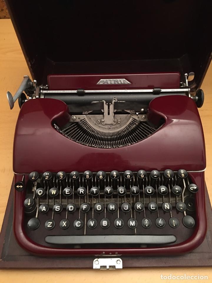 MÁQUINA DE ESCRIBIR PATRIA (Antigüedades - Técnicas - Máquinas de Escribir Antiguas - Patria)