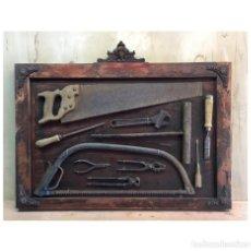 Antiquités: MAGNÍFICO CUADRO DE HERRAMIENTAS MUY ANTIGUO. Lote 184578390