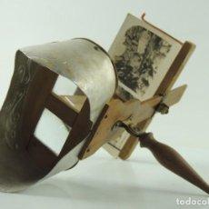 Antigüedades: ANTIGUO VISOR ESTEREOSCÓPICO Y FOTOGRAFÍAS . Lote 190400241