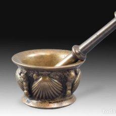 Antigüedades: MORTERO CON VENERAS CON MAZA. BRONCE. SIGLO XVII. . Lote 190418423