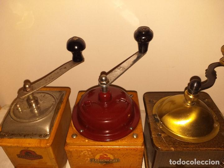 Antigüedades: 3 Molino de Cafe 1 de Pimienta y 1 Salero de la firma Alemana Zassenhaus (RZ Robert Zassenhaus) - Foto 3 - 190560198