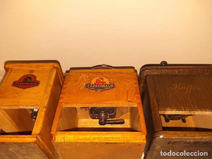 Antigüedades: 3 Molino de Cafe 1 de Pimienta y 1 Salero de la firma Alemana Zassenhaus (RZ Robert Zassenhaus) - Foto 9 - 190560198