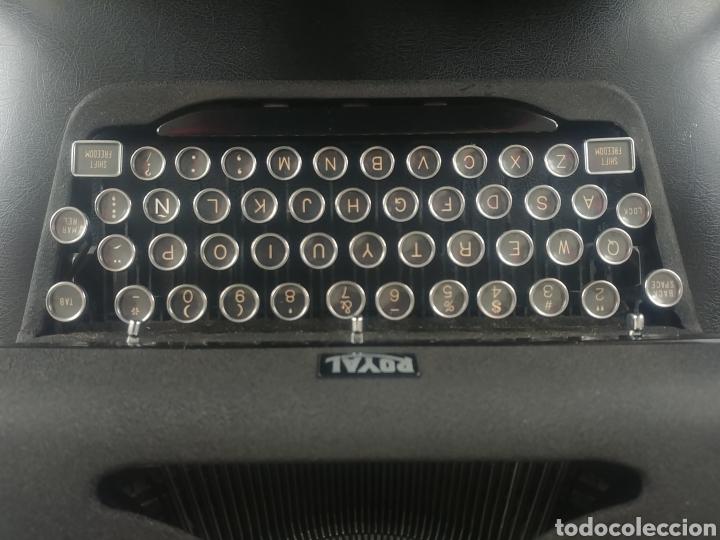 Antigüedades: Máquina de escribir Royal modelo Aristocrat - Foto 2 - 176063360