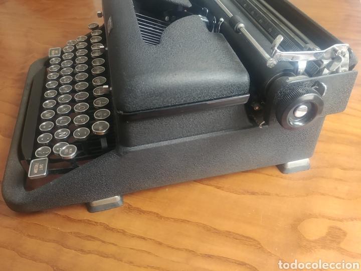 Antigüedades: Máquina de escribir Royal modelo Aristocrat - Foto 3 - 176063360