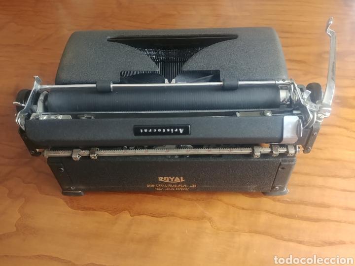 Antigüedades: Máquina de escribir Royal modelo Aristocrat - Foto 4 - 176063360
