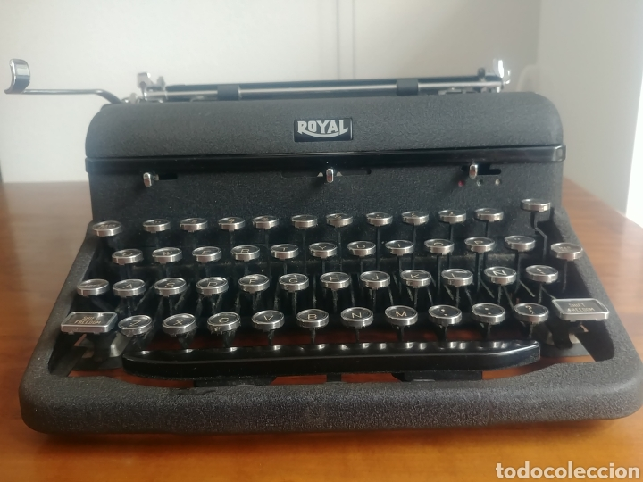 Antigüedades: Máquina de escribir Royal modelo Aristocrat - Foto 7 - 176063360