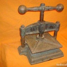 Antigüedades: PRENSA ANTIGUA PARA ENCUADERNAR LIBROS. Lote 190803775