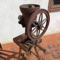 Antigüedades: GRAN MOLINILLO DE CAFE-GRANO- PARA COMERCIO TIENDA-DE JUAN FERRE MATHEU BARCELONA- CIRCA 1920-40. Lote 190836982