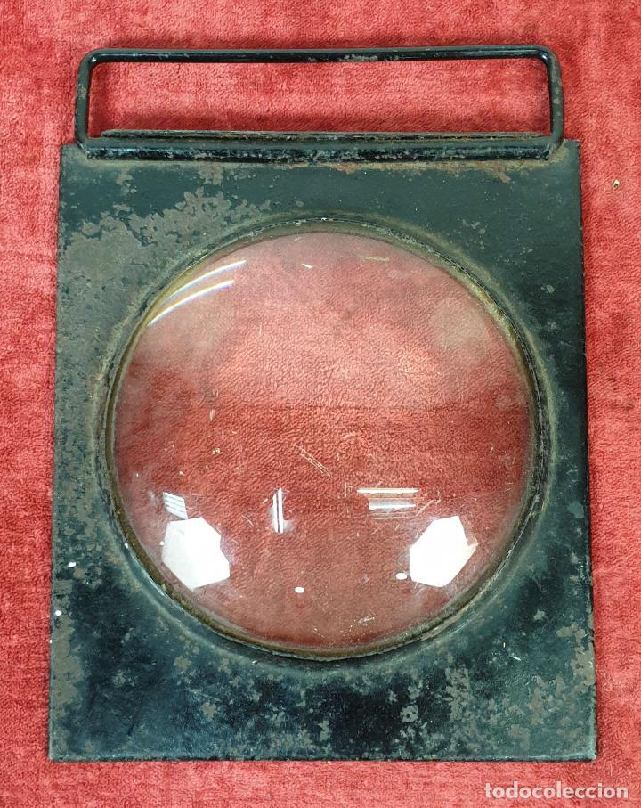 LENTE ÒPTICA DE AUMENTO. SOPORTE DE HIERRO. CONVEXA. SIGLO XX. (Antigüedades - Técnicas - Otros Instrumentos Ópticos Antiguos)