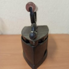 Antigüedades: PLANCHA DE CARBON . Lote 191030762