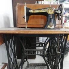 Antigüedades: MÁQUINA DE COSER ANTIGUA SINGER. Lote 191058938