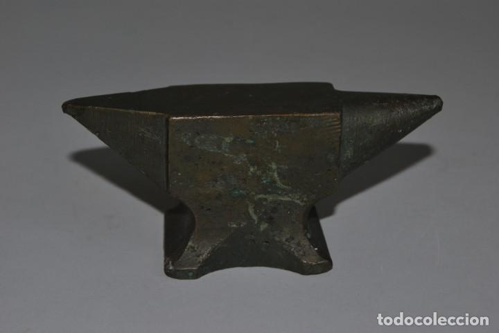 Antigüedades: ANTIGUO YUNQUE DE BRONCE DE JOYERO O RELOJERO - Foto 3 - 191246897