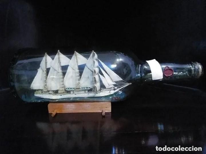 Antigüedades: Barco madera Juan Sebastián Elcano en botella grande. Años 70 - Foto 2 - 191294358