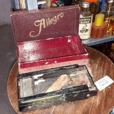 Antigüedades: MAQUINA DE AFILAR CUCHILLAS ALLEGRO. Lote 191349931