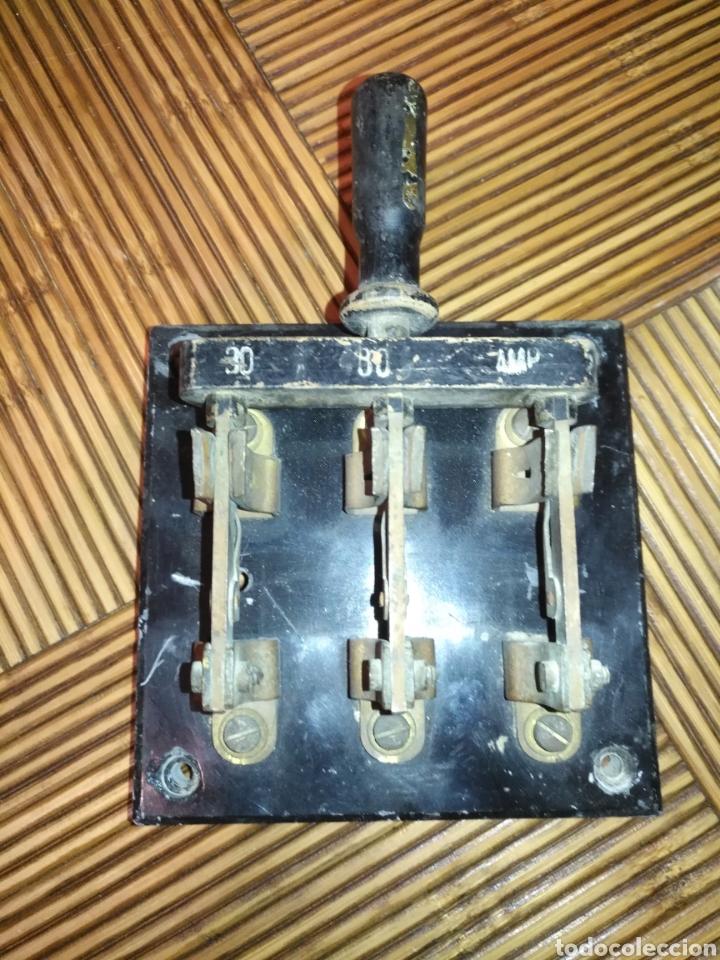 Antigüedades: ANTIGUO Fusible interruptor de corte trifásico de palanca 30 Amp. 17 cm x 12 cm. 770gr - Foto 2 - 191373321