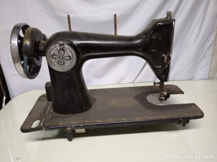 Antigüedades: Máquina de coser sigma. Sin mesa. - Foto 2 - 191428015