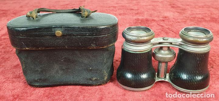 BINOCULARES DE ÓPERA. METAL Y CUERO. FUNDA ORIGINAL. VOIGTLANDER AND SOHN. SIGLO XX. (Antigüedades - Técnicas - Instrumentos Ópticos - Binoculares Antiguos)