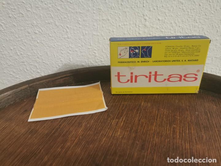 Antigüedades: Antigua caja de tiritas - Foto 2 - 191439327