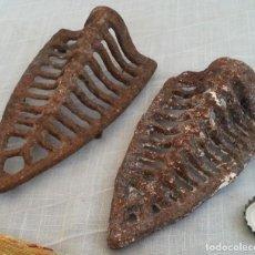 Antigüedades: GRELHAS DE PLANCHAS ANTIGUAS. CONJUNTO DE DOS PIEZAS. Lote 191586226