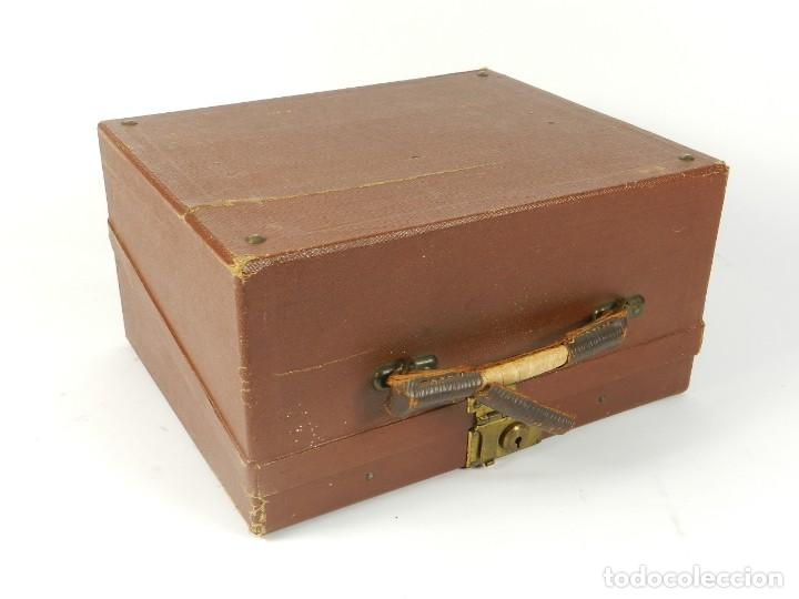 Antigüedades: MAQUINA DE ESCRIBIR ERIKA Nº3 AÑO 1917 PLEGABLE TYPEWRITER SCHREIBMASCHINE - Foto 2 - 191694555