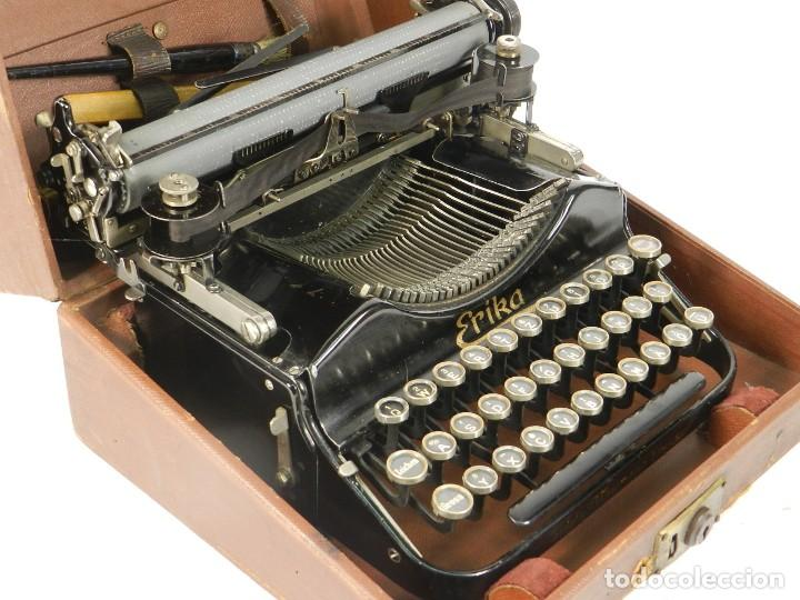 Antigüedades: MAQUINA DE ESCRIBIR ERIKA Nº3 AÑO 1917 PLEGABLE TYPEWRITER SCHREIBMASCHINE - Foto 6 - 191695477
