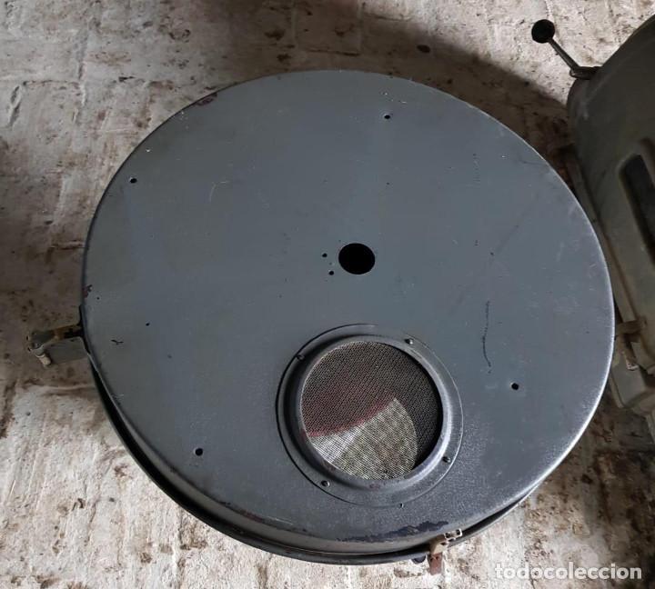 Antigüedades: Lote de 2 proyectores de cine Vanguard. Recogida local. - Foto 4 - 190073418