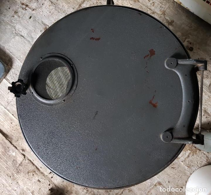Antigüedades: Lote de 2 proyectores de cine Vanguard. Recogida local. - Foto 6 - 190073418