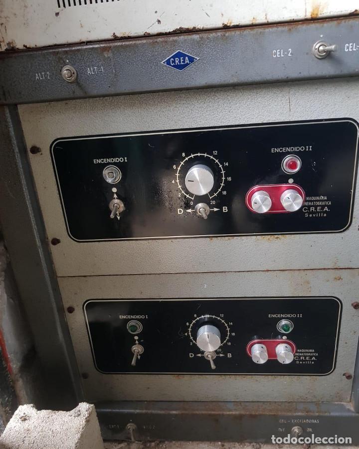 Antigüedades: Lote de 2 proyectores de cine Vanguard. Recogida local. - Foto 8 - 190073418
