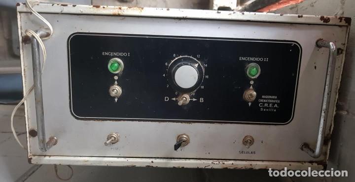 Antigüedades: Lote de 2 proyectores de cine Vanguard. Recogida local. - Foto 9 - 190073418