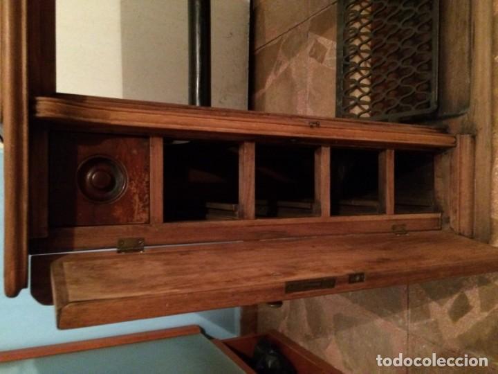 Antigüedades: Mesa para máquina de coser antigua. - Foto 5 - 191818768