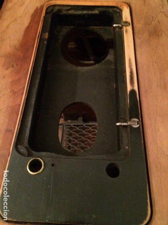 Antigüedades: Mesa para máquina de coser antigua. - Foto 8 - 191818768
