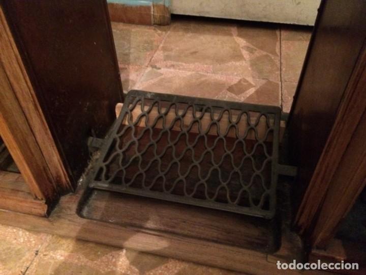 Antigüedades: Mesa para máquina de coser antigua. - Foto 12 - 191818768