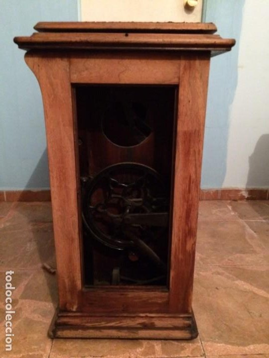 Antigüedades: Mesa para máquina de coser antigua. - Foto 13 - 191818768