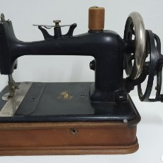 Antigüedades: MÁQUINA DE COSER S XIX.. Lote 191887012