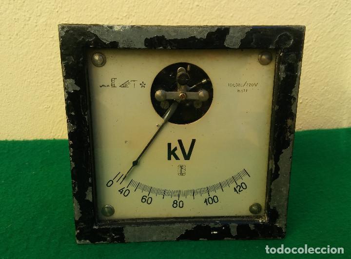 ANTIGUO VOLTIMETRO, MUY RARO Y ESCASO (Antigüedades - Técnicas - Herramientas Profesionales - Electricidad)