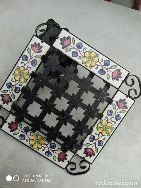 Antigüedades: antigua lampara reja hierro ceramica, sirve para reja pequeña ventana, decoracion,casa rural - Foto 8 - 191982226