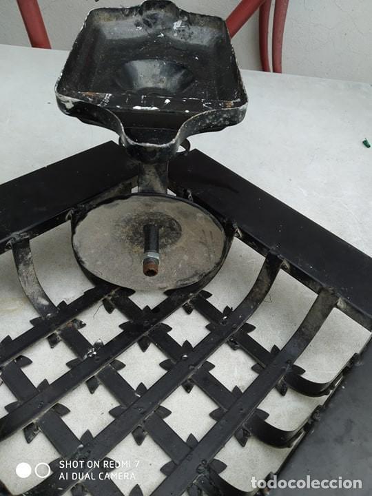 Antigüedades: antigua lampara reja hierro ceramica, sirve para reja pequeña ventana, decoracion,casa rural - Foto 4 - 191982226