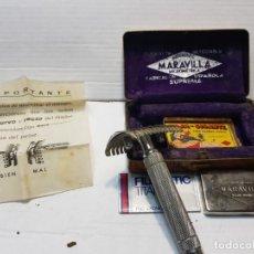 Antigüedades: MAQUINA DE AFEITAR MARAVILLA FABRICACION ESPAÑOLA CON LA DIFÍCIL HOJA GIGANTE MARAVILLA. Lote 192061691