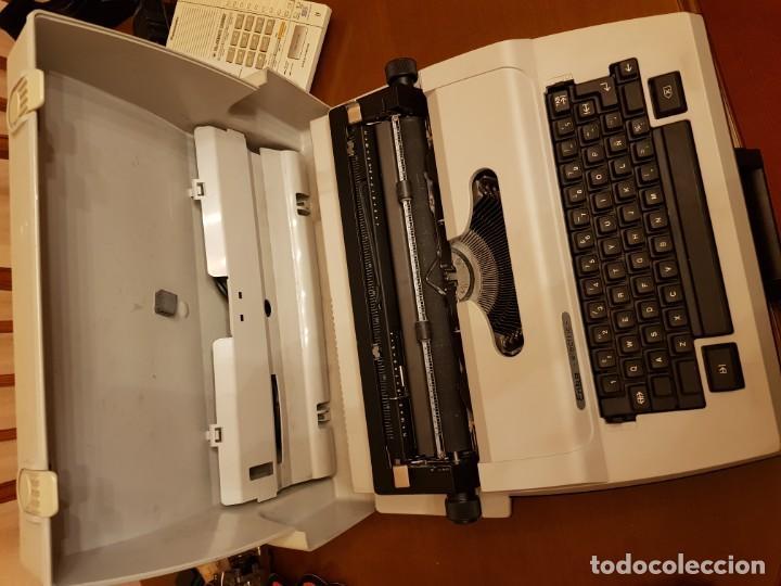 MAQUINA ELÉCTRICA ERIKA ELECTRIC (Antigüedades - Técnicas - Máquinas de Escribir Antiguas - Erika)