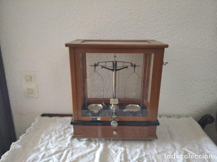 Antigüedades: Balanza de precisión antigua. Marca Cobos - Foto 3 - 192137332