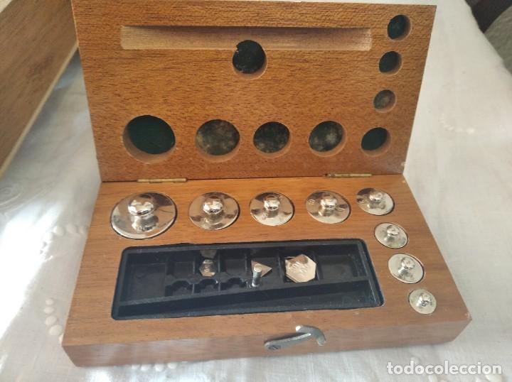 Antigüedades: Balanza de precisión antigua. Marca Cobos - Foto 4 - 192137332
