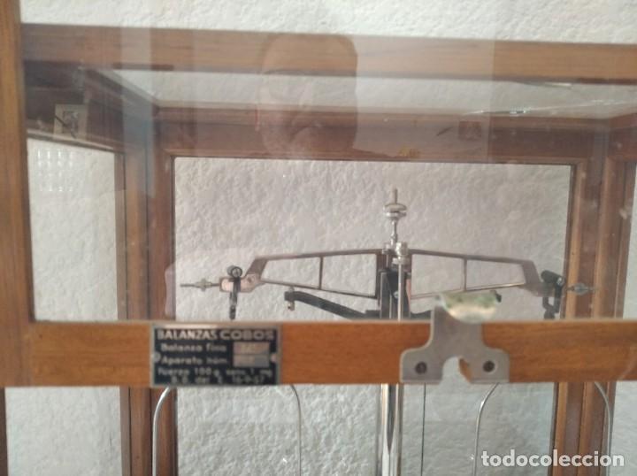 Antigüedades: Balanza de precisión antigua. Marca Cobos - Foto 5 - 192137332