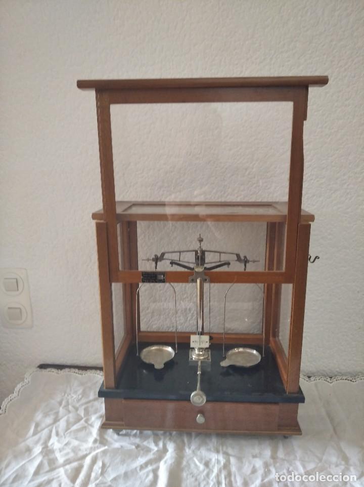 Antigüedades: Balanza de precisión antigua. Marca Cobos - Foto 7 - 192137332