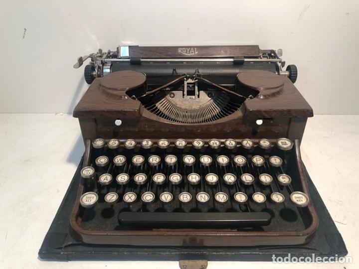 RARA MAQUINA DE ESCRIBIR PORTABLE 2 ROYAL USA, COLOR MARRON. APROX 1930. (Antigüedades - Técnicas - Máquinas de Escribir Antiguas - Royal)