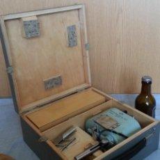 Antigüedades: VIBRÓGRAFO MANUAL BP-1A + MICROSCOPIO BRUNELL.. Lote 192154657