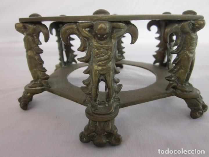 Antigüedades: ANTIGUA TETERA CON BASE DE BRONCE. - Foto 8 - 192268531