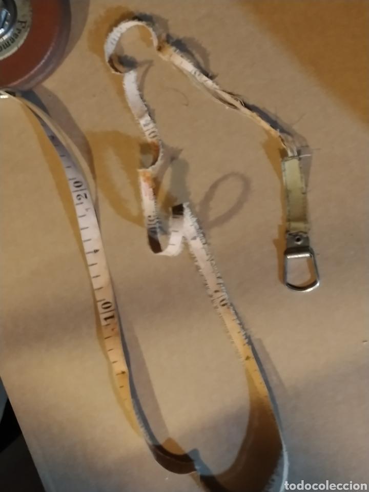 Antigüedades: Flexometro antiguo Freemans Record metal wired tape 20 metros - años 60/70 - Foto 7 - 192376530