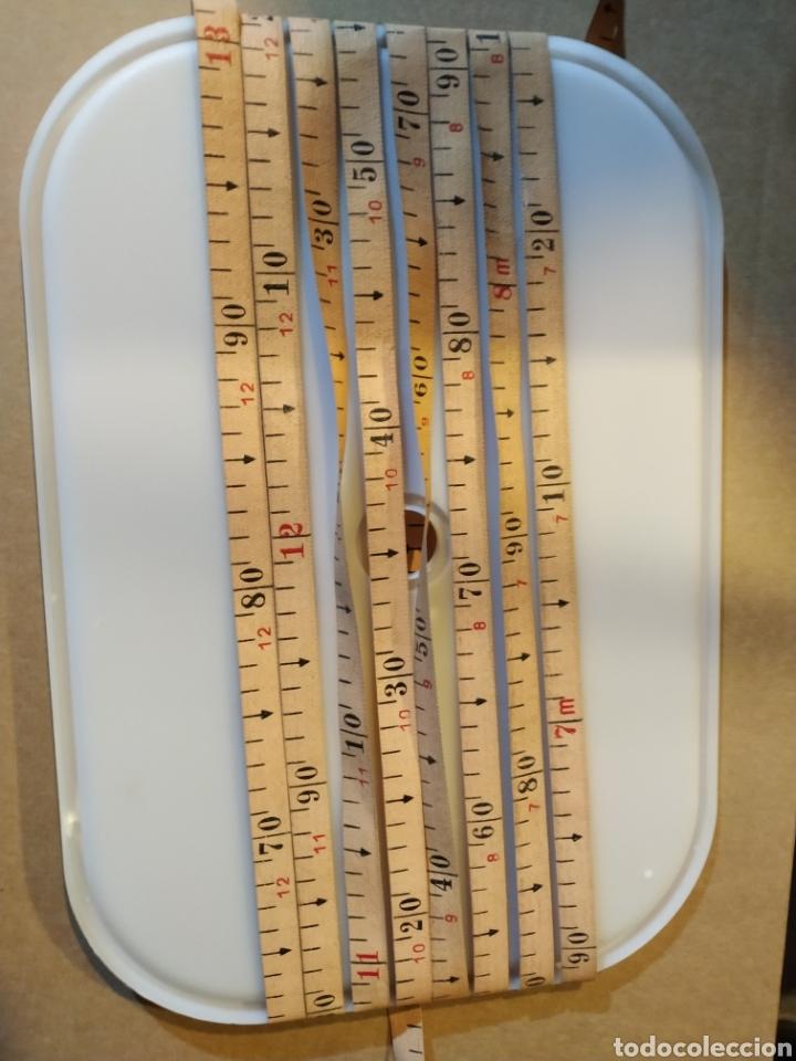 Antigüedades: Flexometro antiguo Freemans Record metal wired tape 20 metros - años 60/70 - Foto 11 - 192376530