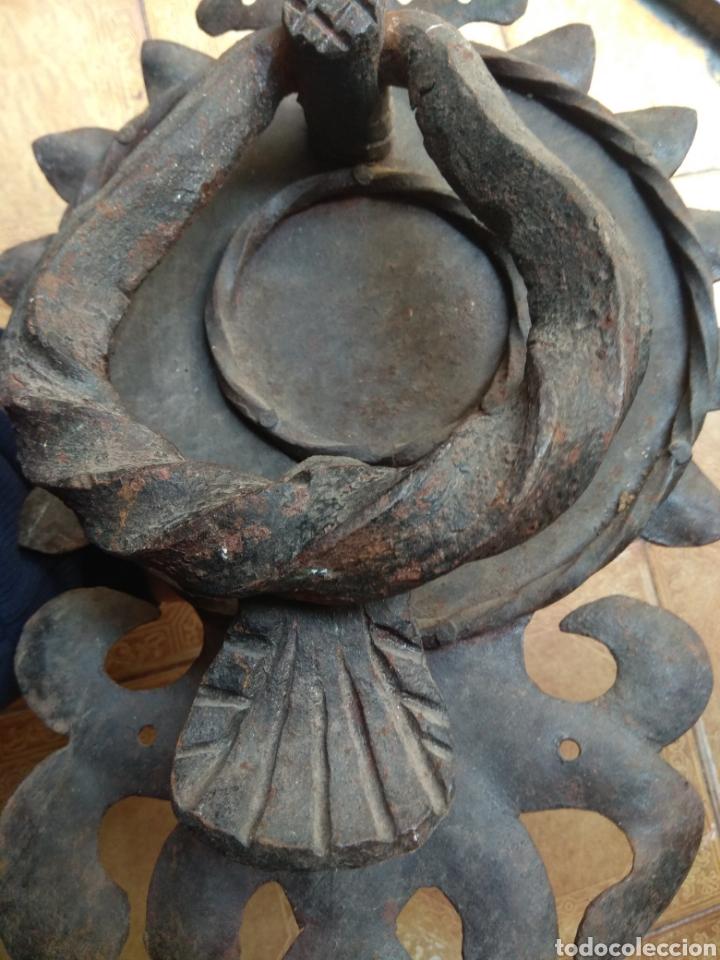 Antigüedades: Antiguo Llamador de Puerta - Aldaba de Forja - - Foto 5 - 192377577